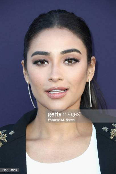 Shay Mitchell attends The Hollywood Reporter's 2017 Women In Entertainment Breakfast at Milk Studios on December 6 2017 in Los Angeles California