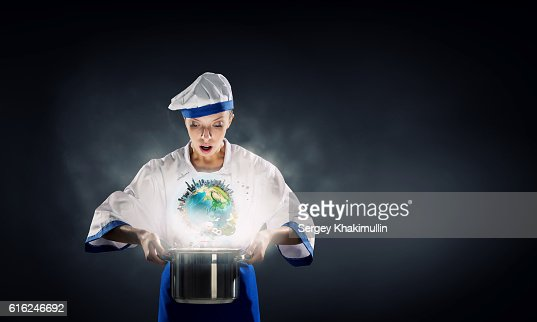 Es mago como cocinar. Medios mixtos : Foto de stock