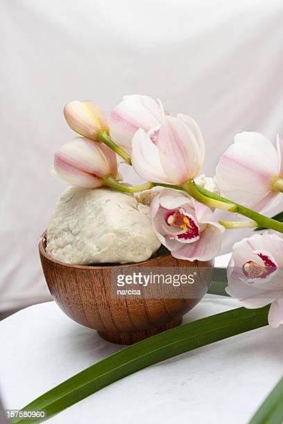 Du beurre de karité ou karite avec orchidée