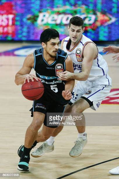 Shea Ili of the Breakers drives against Sam Daly of the Kings during the round three NBL match between the New Zealand Breakers and the Sydney Kings...