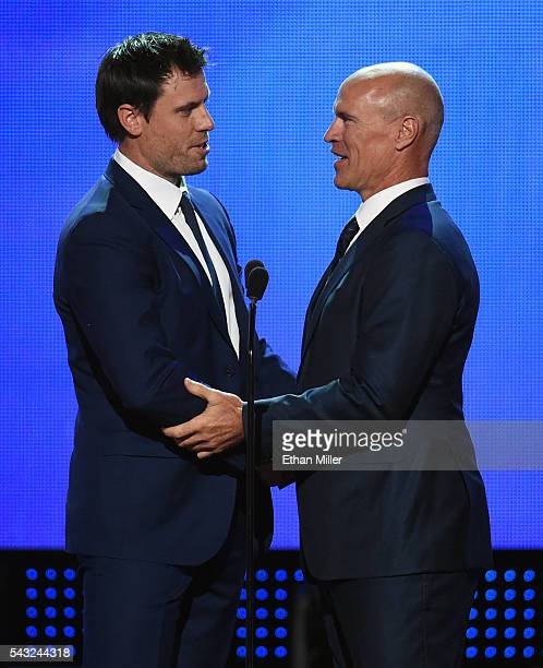 Shea Weber of the Nashville Predators accepts the Mark Messier NHL Leadership Award from NHL Hall of Fame member Mark Messier during the 2016 NHL...