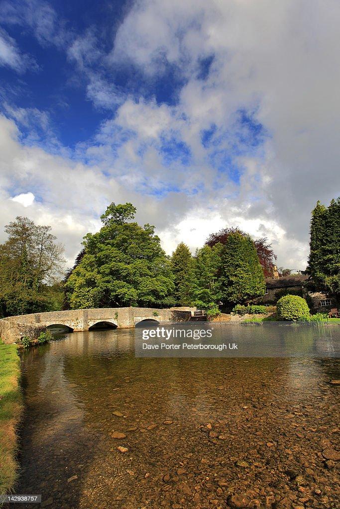 Sheepwash Bridge river Wye Ashford in the Water : Stock Photo