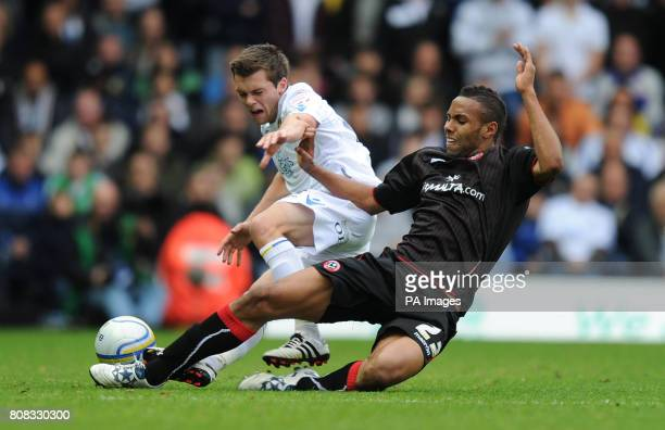 Sheffield United's Kyle Bartley and Leeds United's Jonathan Howson during the npower Championship match at Elland Road Leeds