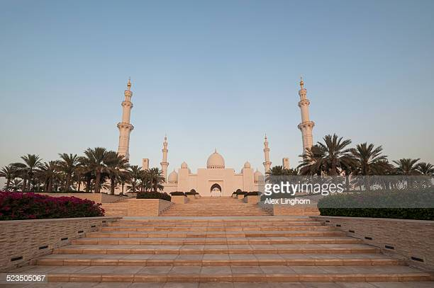 Sheikh Zayed Grand Mosque at sunrise, Abu Dhabi