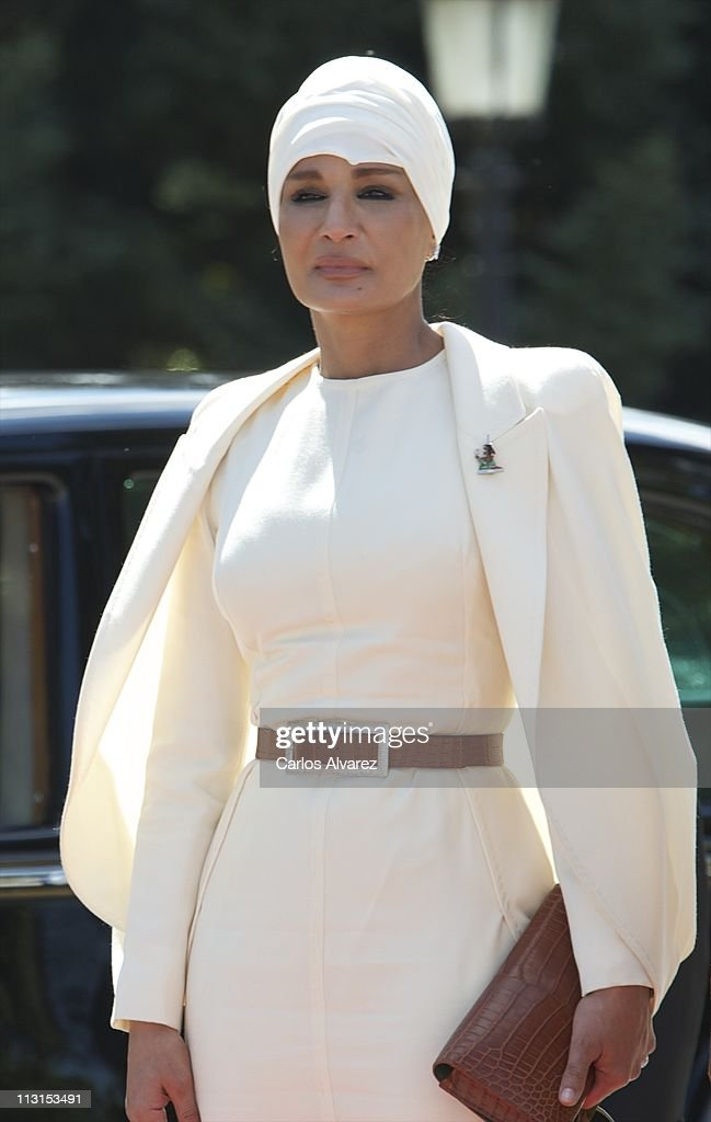 Sheikha Moza Bint Nasser Al-Missned arrives at El Pardo Palace on April 25, 2011 in Madrid, Spain. The Emir of the State of Qatar Sheikh Hamad Bin Khalifa Al-Thani and his wife Sheikha Moza Bint Nasser Al-Missned are on an official visit to Spain.