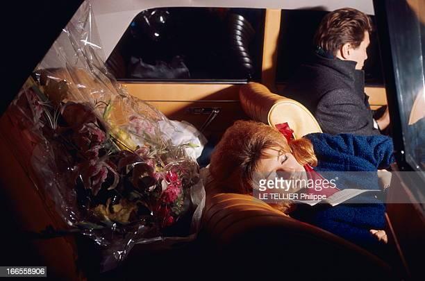 Sheila In Concert In Marseille Les premiers pas de SHEILA sur scène au Gymnase de MARSEILLE la chanteuse dormant allongée dans une voiture ses fleurs...