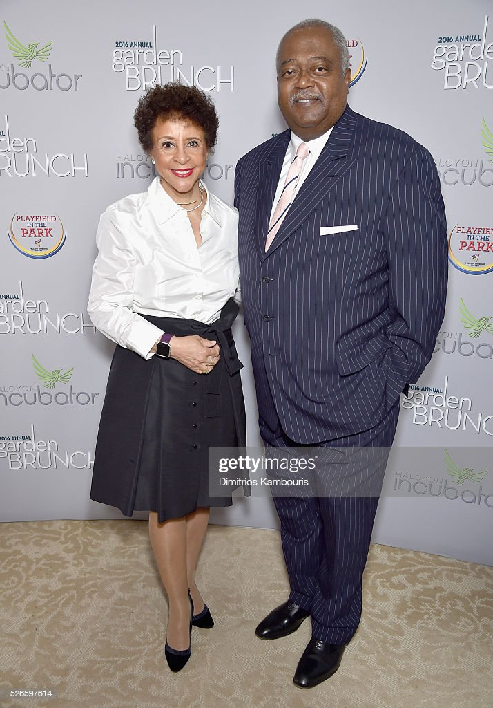 <a gi-track='captionPersonalityLinkClicked' href=/galleries/search?phrase=Sheila+Johnson&family=editorial&specificpeople=608736 ng-click='$event.stopPropagation()'>Sheila Johnson</a> (L) and Judge William Newman attends the Garden Brunch prior to the 102nd White House Correspondents' Association Dinner at the Beall-Washington House on April 30, 2016 in Washington, DC.