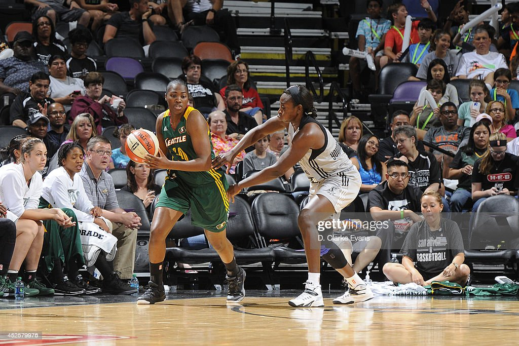 Shekinna Stricklen #40 of the Seattle Storm handles the ball against the San Antonio Stars at the AT&T Center on July 11, 2014 in San Antonio, Texas.