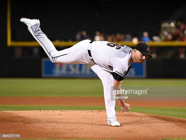 Shelby Miller of the Arizona Diamondbacks delivers a warm up pitch prior to the start of the first inning against the San Francisco Giants at Chase...
