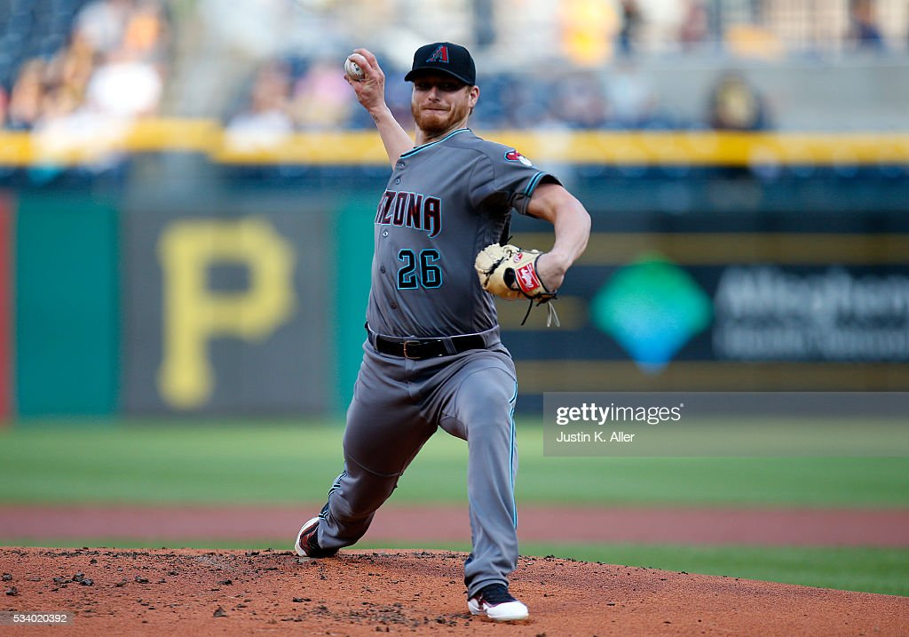 <a gi-track='captionPersonalityLinkClicked' href=/galleries/search?phrase=Shelby+Miller&family=editorial&specificpeople=4761626 ng-click='$event.stopPropagation()'>Shelby Miller</a> #26 of the Arizona Diamondbacks pitches in the first inning during the game against the Pittsburgh Pirates at PNC Park on May 24, 2016 in Pittsburgh, Pennsylvania.