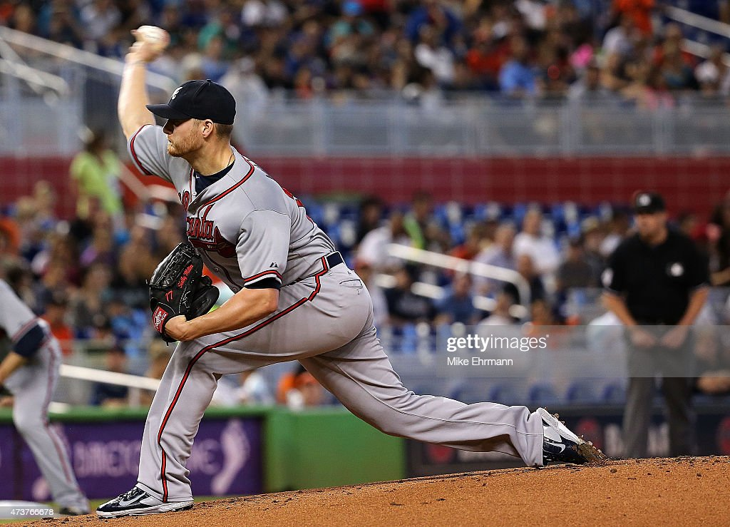 <a gi-track='captionPersonalityLinkClicked' href=/galleries/search?phrase=Shelby+Miller&family=editorial&specificpeople=4761626 ng-click='$event.stopPropagation()'>Shelby Miller</a> #17 of the Atlanta Braves pitches during a game against the Atlanta Braves at Marlins Park on May 17, 2015 in Miami, Florida.