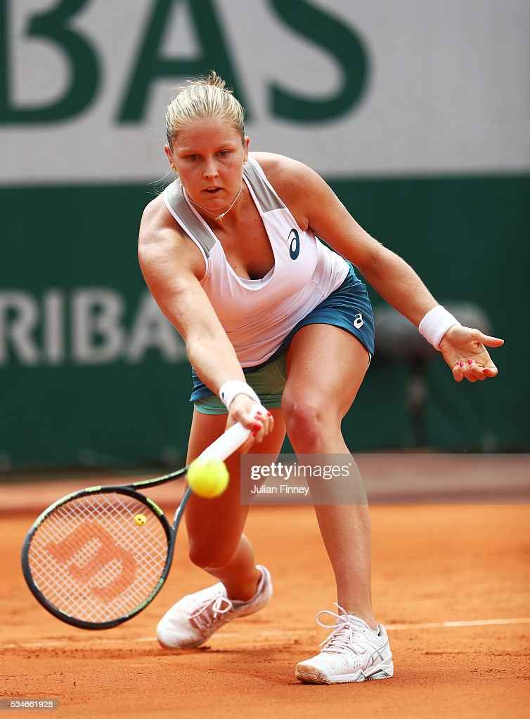 <a gi-track='captionPersonalityLinkClicked' href=/galleries/search?phrase=Shelby+Rogers&family=editorial&specificpeople=7162690 ng-click='$event.stopPropagation()'>Shelby Rogers</a> of the United States hits a forehand during the Ladies Singles third round match against Petra Kvitova of Czech Republic on day six of the 2016 French Open at Roland Garros on May 27, 2016 in Paris, France.