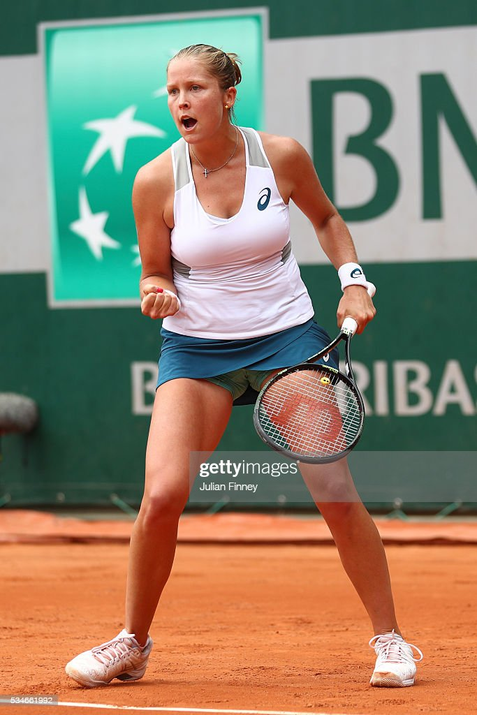 <a gi-track='captionPersonalityLinkClicked' href=/galleries/search?phrase=Shelby+Rogers&family=editorial&specificpeople=7162690 ng-click='$event.stopPropagation()'>Shelby Rogers</a> of the United States reacts during the Ladies Singles third round match against Petra Kvitova of Czech Republic on day six of the 2016 French Open at Roland Garros on May 27, 2016 in Paris, France.