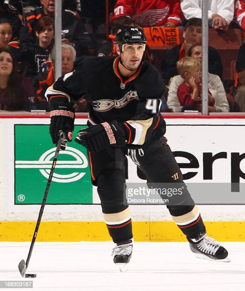 Sheldon Souray of the Anaheim Ducks handles the puck against the Detroit Red Wings in Game Two of the Western Conference Quarterfinals during the...
