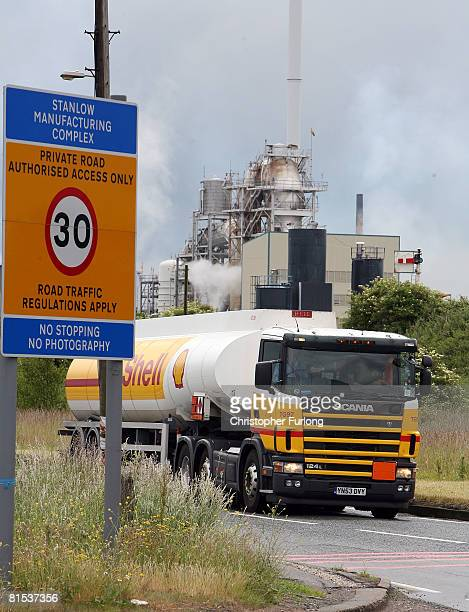 Shell tanker laden with fuel leaves Stanlow Oil Refinery as unions and employers of the drivers continue talks with ACAS to try and avoid strike...