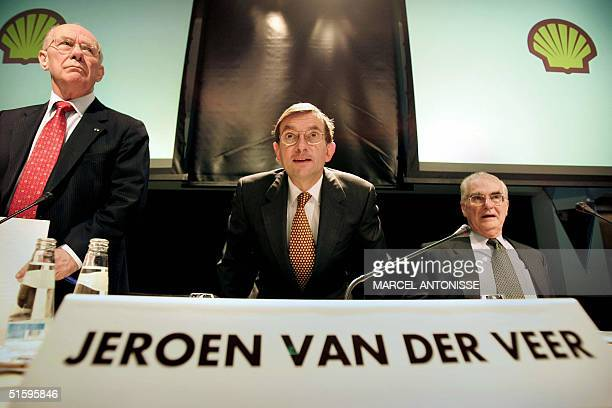 Shellexecutive Jeroen van der Veer is seen during a press conference in The Hague 28 October 2004 where he announced the new structure of the company...