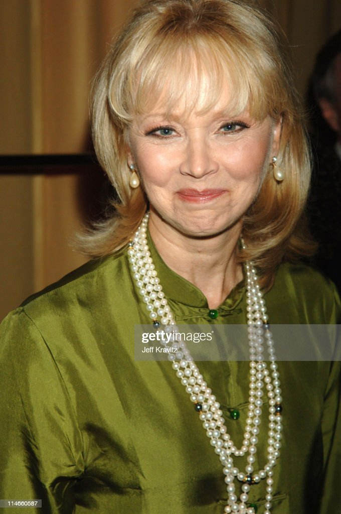 how tall is shelley long