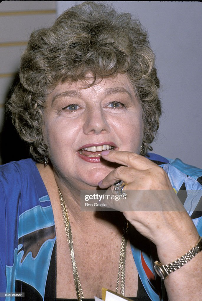 "Shelley Winters Signs New Book ""Shelley II"""