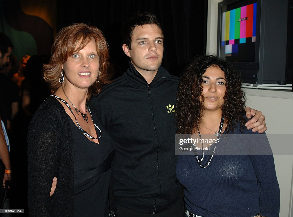 Shelly Cappuccio,Brandon Flowers of The Killers and Gladys Naim ofSony