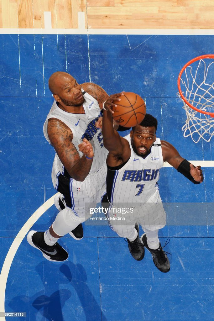 Shelvin Mack #7 of the Orlando Magic drives to the basket against the LA Clippers on December 13, 2017 at Amway Center in Orlando, Florida.