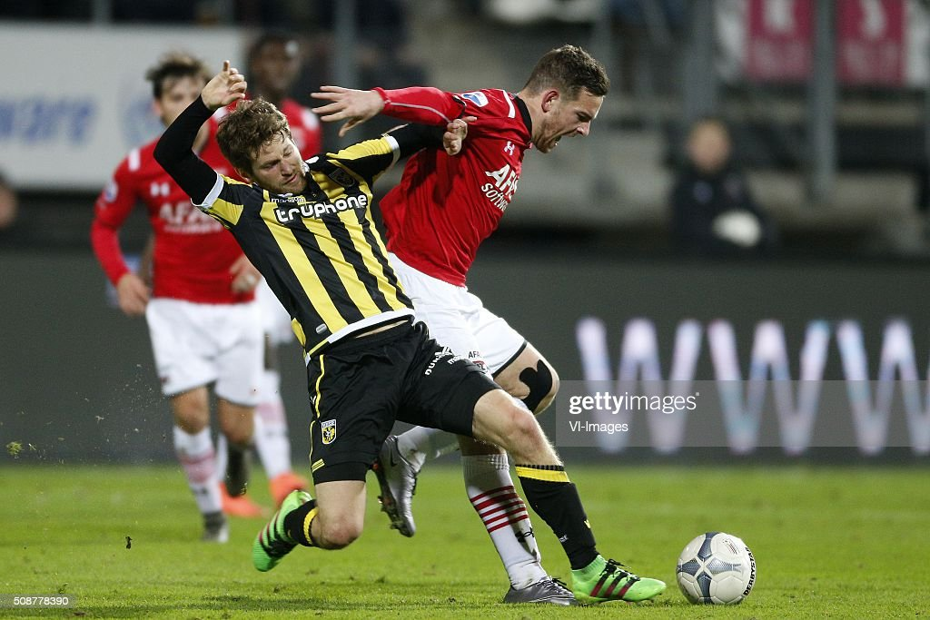 , Sheran Yeini of Vitesse, Vincent Janssen of AZ Alkmaar during the Dutch Eredivisie match between AZ Alkmaar and Vitesse Arnhem at AFAS stadium on February 06, 2016 in Alkmaar, The Netherlands