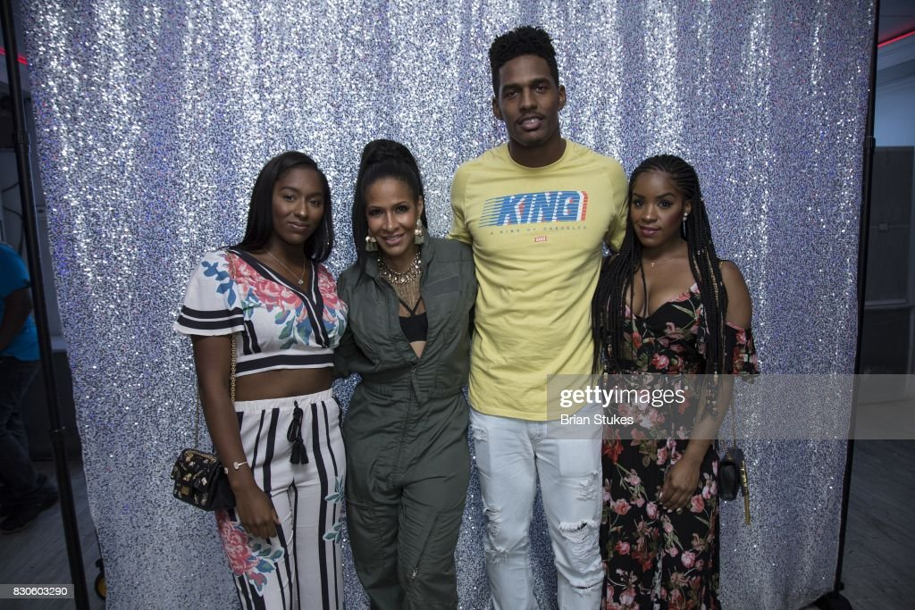 Sheree Whitfield and her family attends 'Cupcakes With Sheree' at Stonefish Grill on August 11, 2017 in Washington, DC.