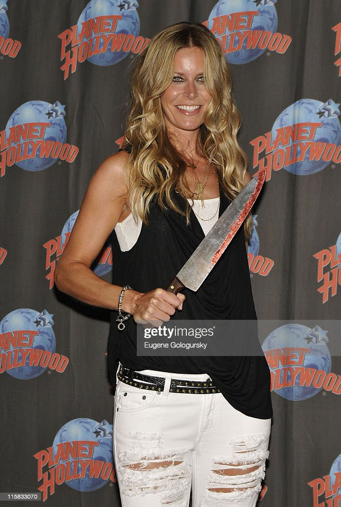 Rob Zombie & Sheri Moon Zombie Visit Planet Hollywood - August 18, 2009