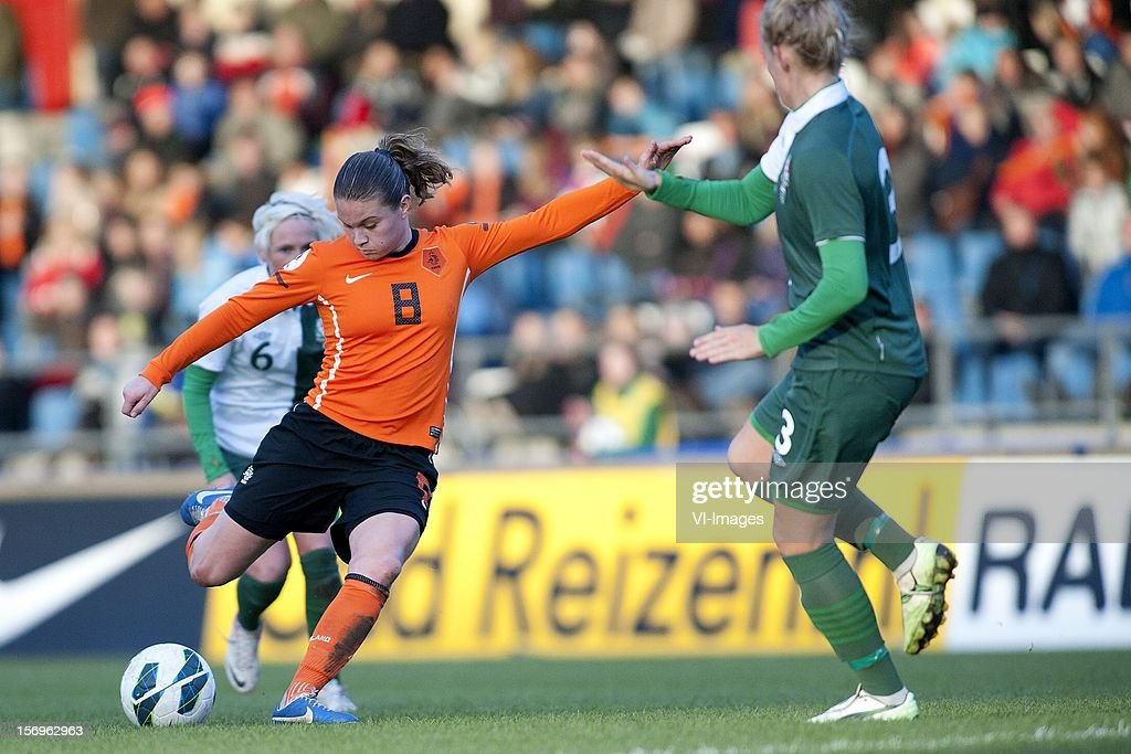 Sherida Spitse of Holland, Sophie Ingle of Wales during the Women's international friendly match between Netherlands and Wales, at Tata steel stadium on November 25, 2012 in Velzen-Zuid, Netherlands.