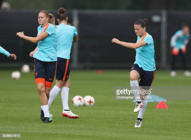 Sherida Spitse of the Netherlands warms up during the Netherlands Training session at SV De Lutte on August 5 2017 in Enschede Netherlands