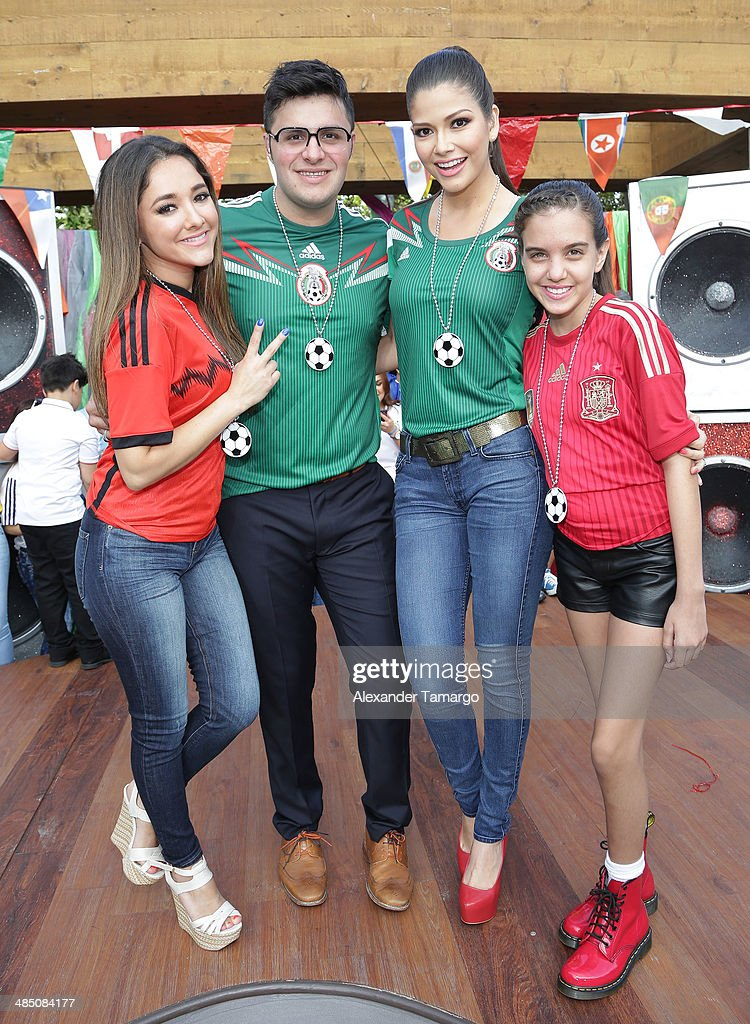 FIFA World Cup Trophy Tour On The Set Of Despierta America