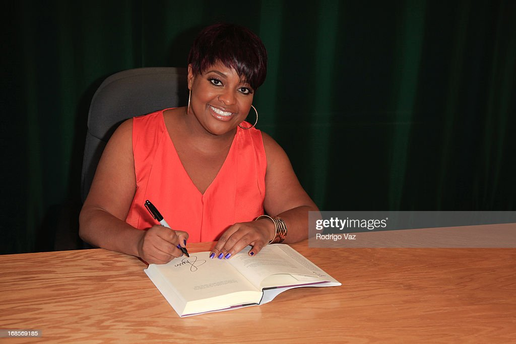 <a gi-track='captionPersonalityLinkClicked' href=/galleries/search?phrase=Sherri+Shepherd&family=editorial&specificpeople=693379 ng-click='$event.stopPropagation()'>Sherri Shepherd</a> signs copies of her new book 'Plan