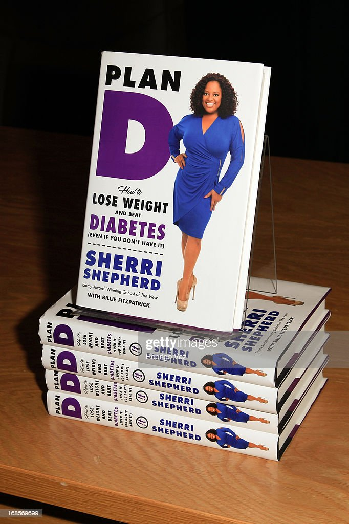 Sherri Shepherd signs copies of her new book 'Plan