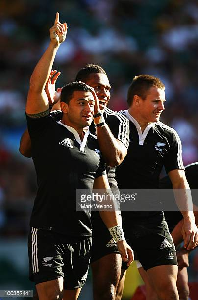 Sherwin Stowers celebrates scoring the winning try during the Plate Final between New Zealand and Fiji during day two of the IRB London Sevens at...