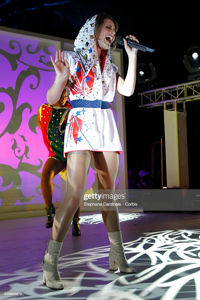 Sheryl Cole performs during the 'de Grisono Party' during the 63 th Cannes International Film Festival.