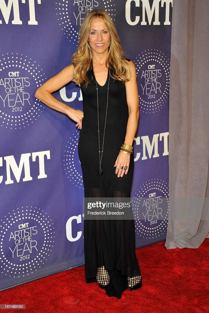 Sheryl Crow arrives at the 2012 CMT Artists Of The Year at The Factory At Franklin on December 3, 2012 in Franklin, Tennessee.