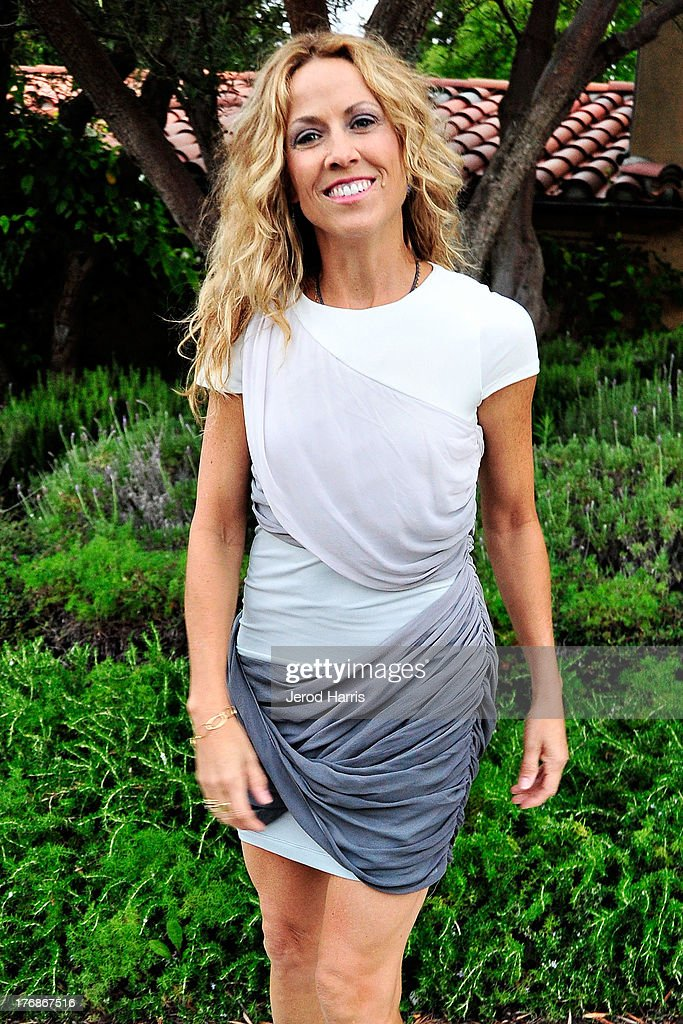 Sheryl Crow attends the 6th annual Oceana's SeaChange summer party on August 18, 2013 in Laguna Beach, California.