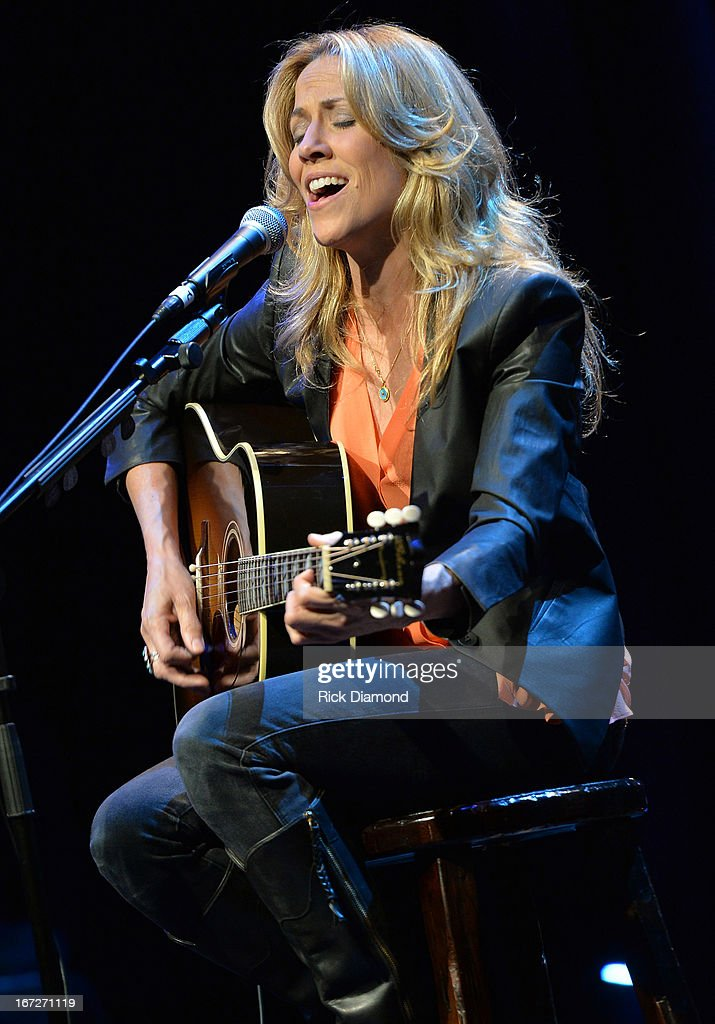 <a gi-track='captionPersonalityLinkClicked' href=/galleries/search?phrase=Sheryl+Crow&family=editorial&specificpeople=201867 ng-click='$event.stopPropagation()'>Sheryl Crow</a> performs at 'An Evening with <a gi-track='captionPersonalityLinkClicked' href=/galleries/search?phrase=Sheryl+Crow&family=editorial&specificpeople=201867 ng-click='$event.stopPropagation()'>Sheryl Crow</a>' to benefit New Hope Academy at The Franklin Theater on April 21, 2013 in Franklin, Tennessee.