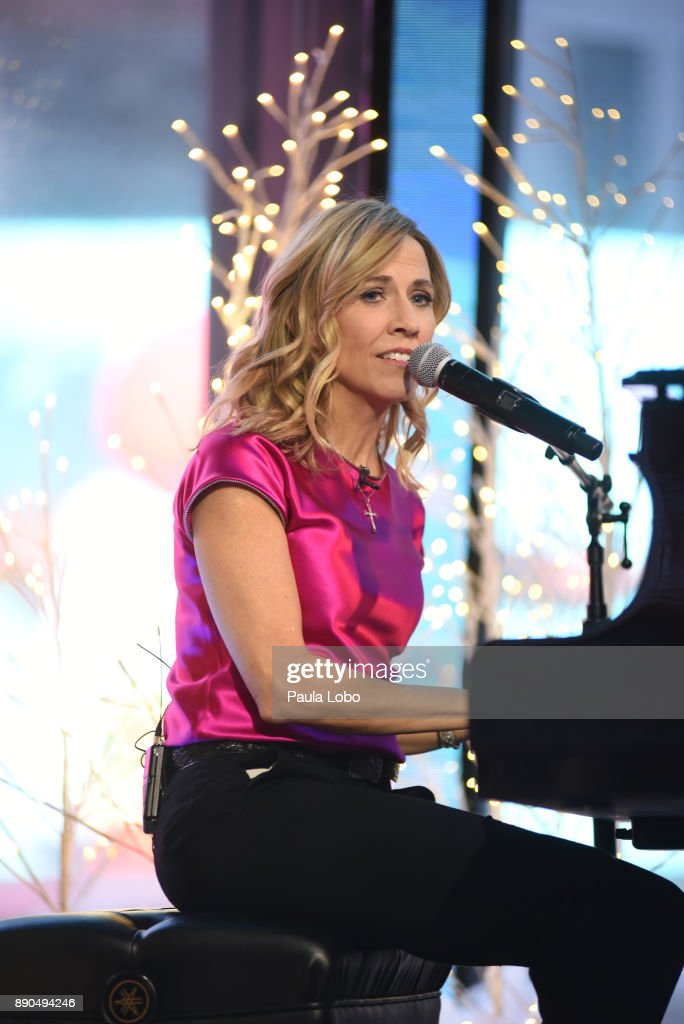 AMERICA - Sheryl Crow performs live on 'Good Morning America,' Monday, December 11, 2017, airing on the ABC Television Network. SHERYL
