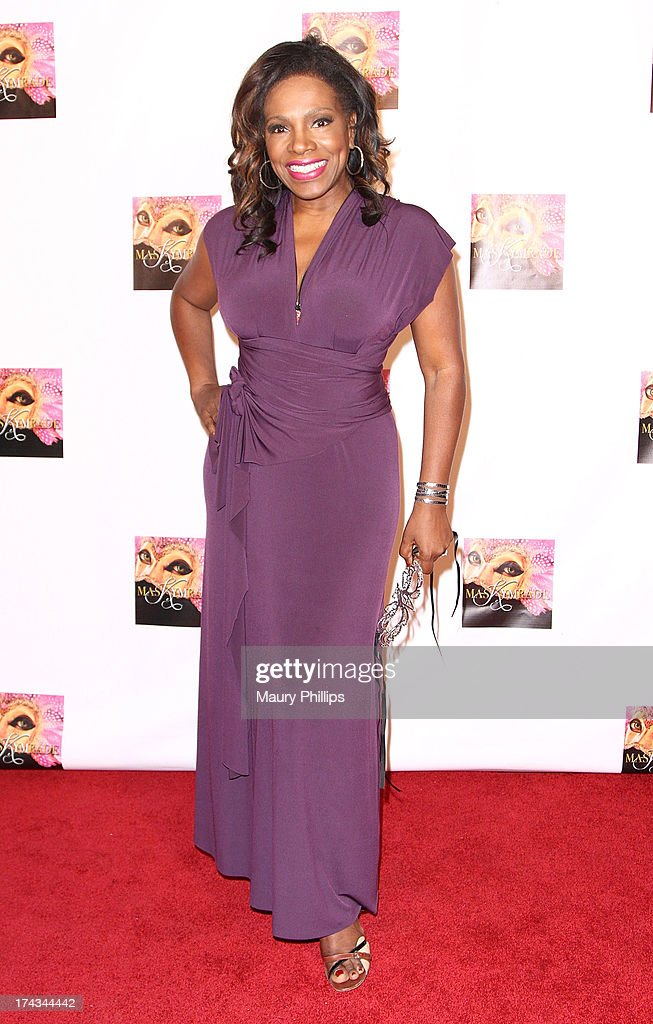 <a gi-track='captionPersonalityLinkClicked' href=/galleries/search?phrase=Sheryl+Lee+Ralph&family=editorial&specificpeople=214083 ng-click='$event.stopPropagation()'>Sheryl Lee Ralph</a> arrives at Kym Whitley's 40th Birthday Celebration at Rain Nightclub on July 23, 2013 in Studio City, California.