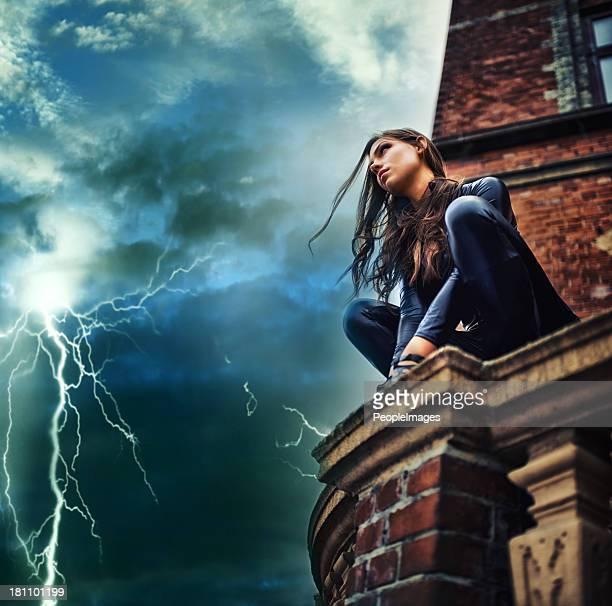 Ella de una fuerza de la naturaleza-superhéroe