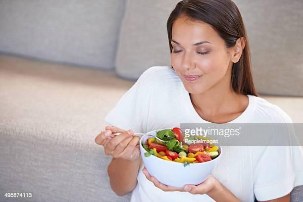 Sie ist wirklich darauf, die einen Salat.