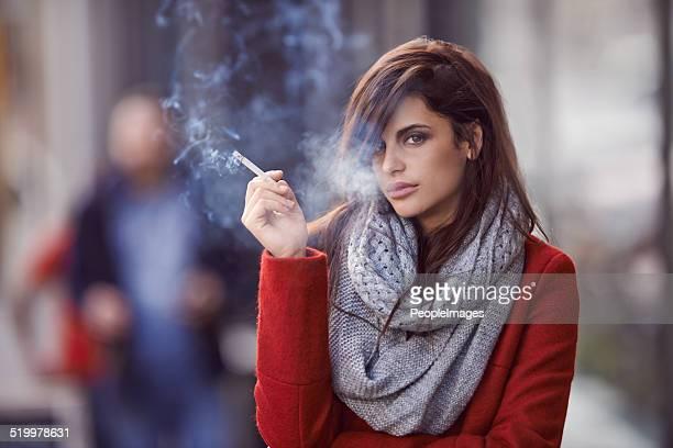 Ella de hidromasaje, para fumadores.