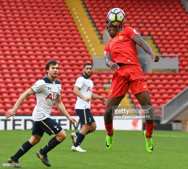 Sheyi Ojo of Liverpool and Filip Lesniak and Cameron CarterVickers of Tottenham Hotspur in action during the Liverpool v Tottenham Hotspur game at...