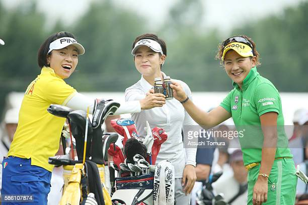 Shiho Oyama Asuka Kashiwabara and Misuzu Narita of Japan smile during the first round of the meiji Cup 2016 at the Sapporo Kokusai Country Club on...