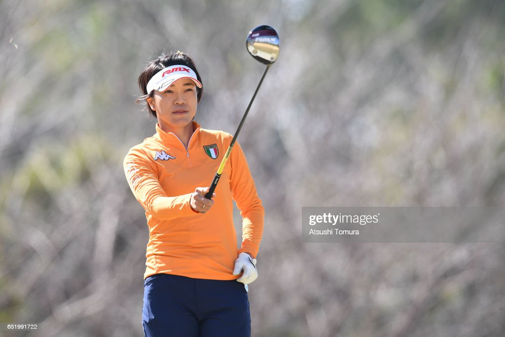 Shiho Oyama of Japan lines up her tee shot on the 3rd hole during the second round of the Yokohama Tire PRGR Ladies Cup at the Tosa Country Club on March 11, 2017, Konan, Japan.
