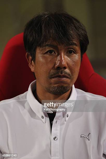 Shimizu SPulse head coach Katsumi Oenoki looks on during the Emperor's Cup third round match between Shimizu SPulse and Consadole Sapporo at IAI...