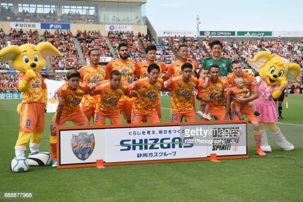 Shimizu SPulse players line up for the team photos prior to the JLeague J1 match between Shimizu SPulse and Yokohama FMarinos at IAI Stadium...
