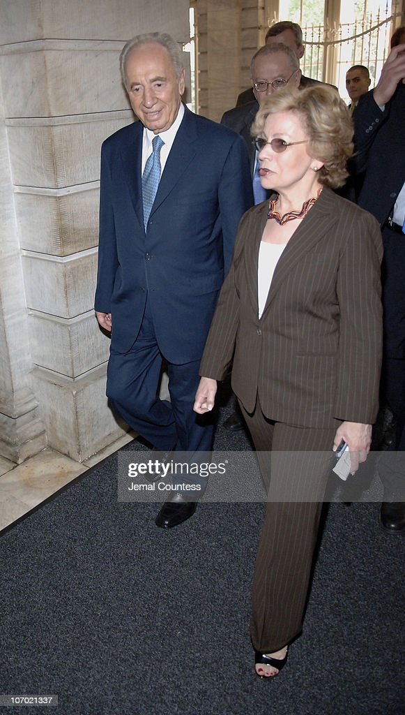 Shimon Peres, Israeli Vice Premier enters New York City Hall prior to his meeting with New York City Mayor <a gi-track='captionPersonalityLinkClicked' href=/galleries/search?phrase=Michael+Bloomberg&family=editorial&specificpeople=171685 ng-click='$event.stopPropagation()'>Michael Bloomberg</a> on July 31, 2006