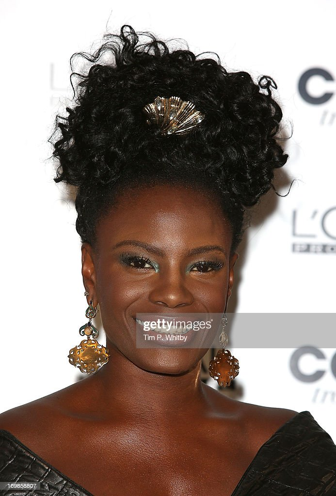 <a gi-track='captionPersonalityLinkClicked' href=/galleries/search?phrase=Shingai+Shoniwa&family=editorial&specificpeople=4266140 ng-click='$event.stopPropagation()'>Shingai Shoniwa</a> arrives the L'Oreal Colour Trophy Awards 2013 at Grosvenor House, on June 3, 2013 in London, England.