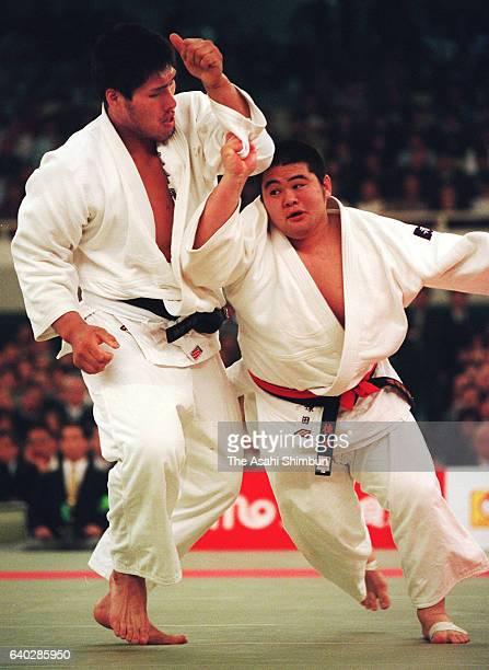 Shinichi Shinohara and Yasuyuki Muneta compete in the final of the All Japan Judo Championship at Nippon Budokan on April 29 1999 in Tokyo Japan